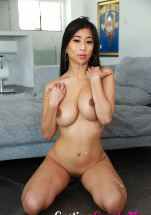 Sexy Asian Women and Beautiful Asian Girls
